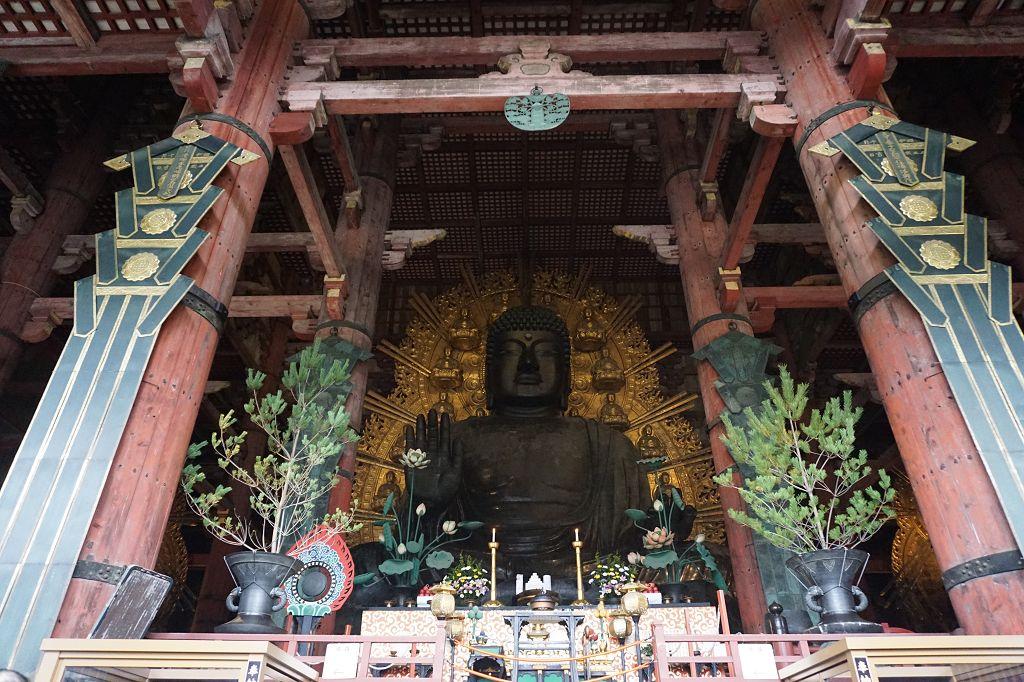 Buddha_Bronze_Tempel_Statue